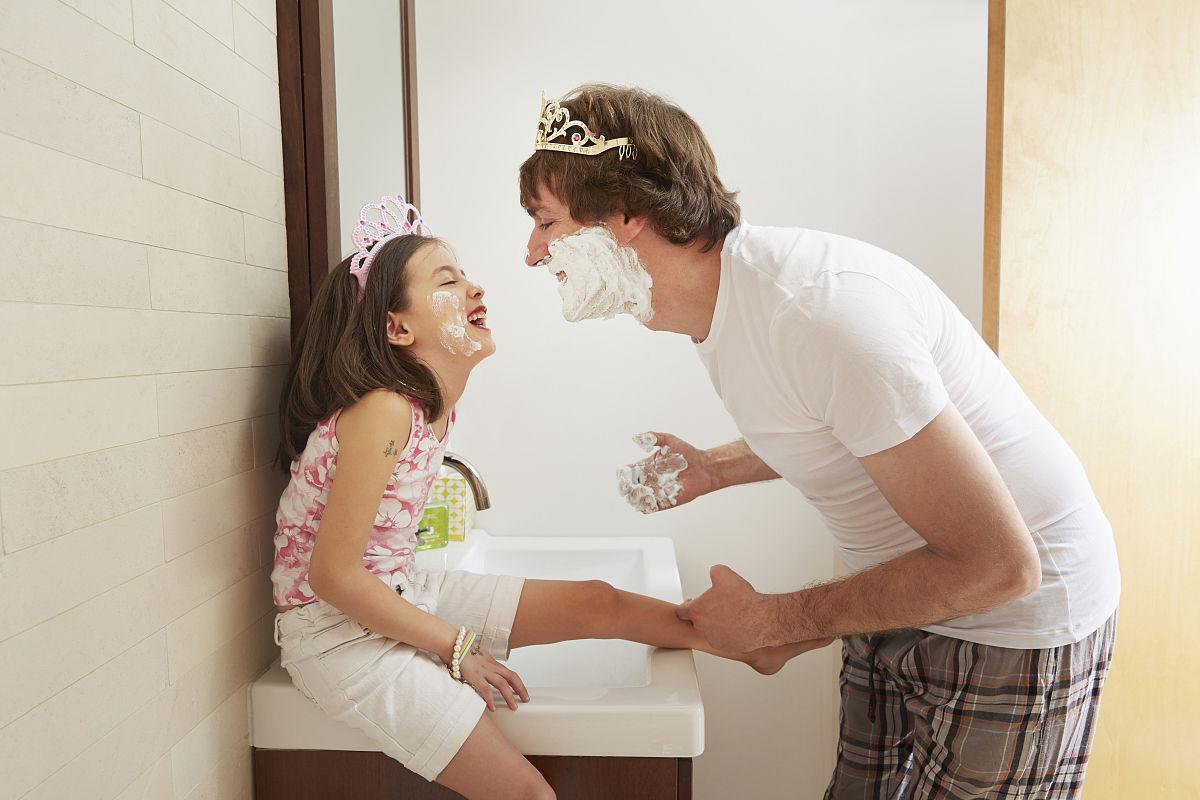 父亲插女儿_父亲在浴室强插女儿影音先锋