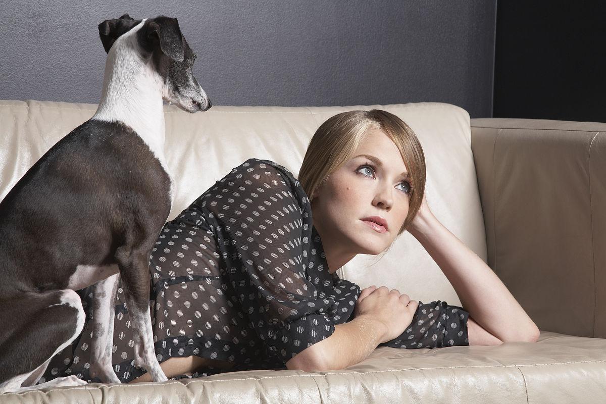 看女与狗性交_美女与狗性交的图片