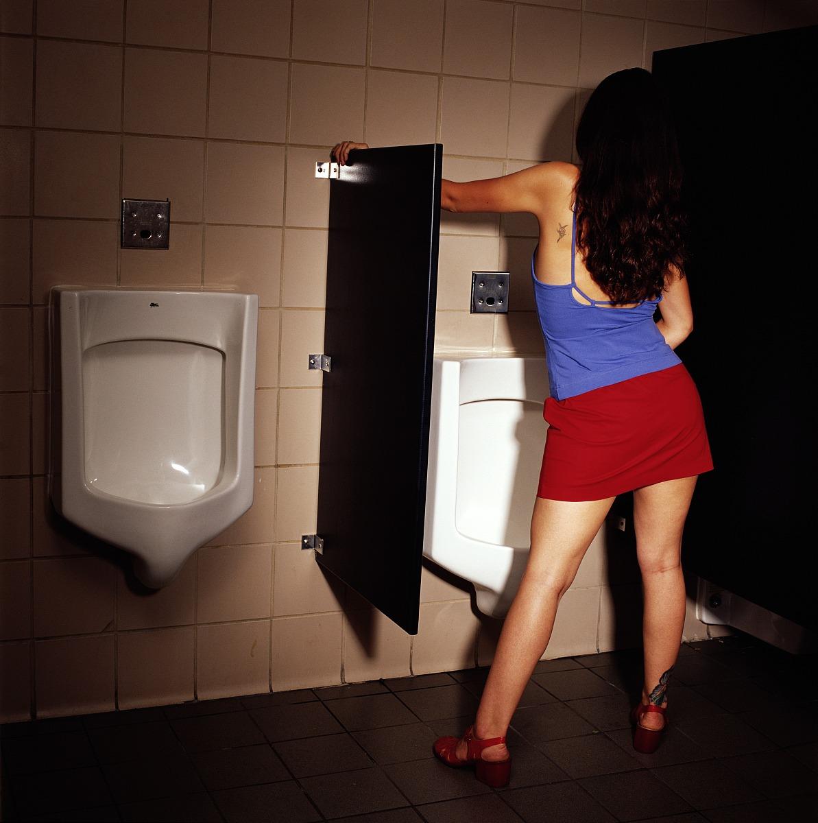 厕所美女偷拍视频_51                   偷拍女人厕所清晰图片-俄国女人厕所撒尿视频