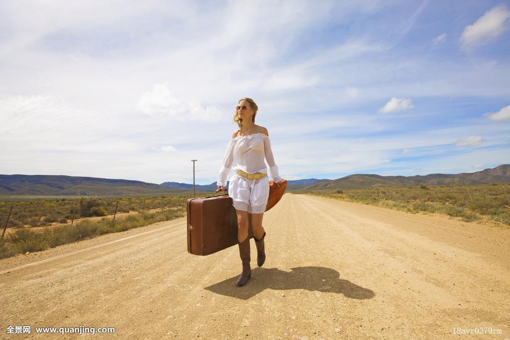 孤單,女人,沙漠公路圖片