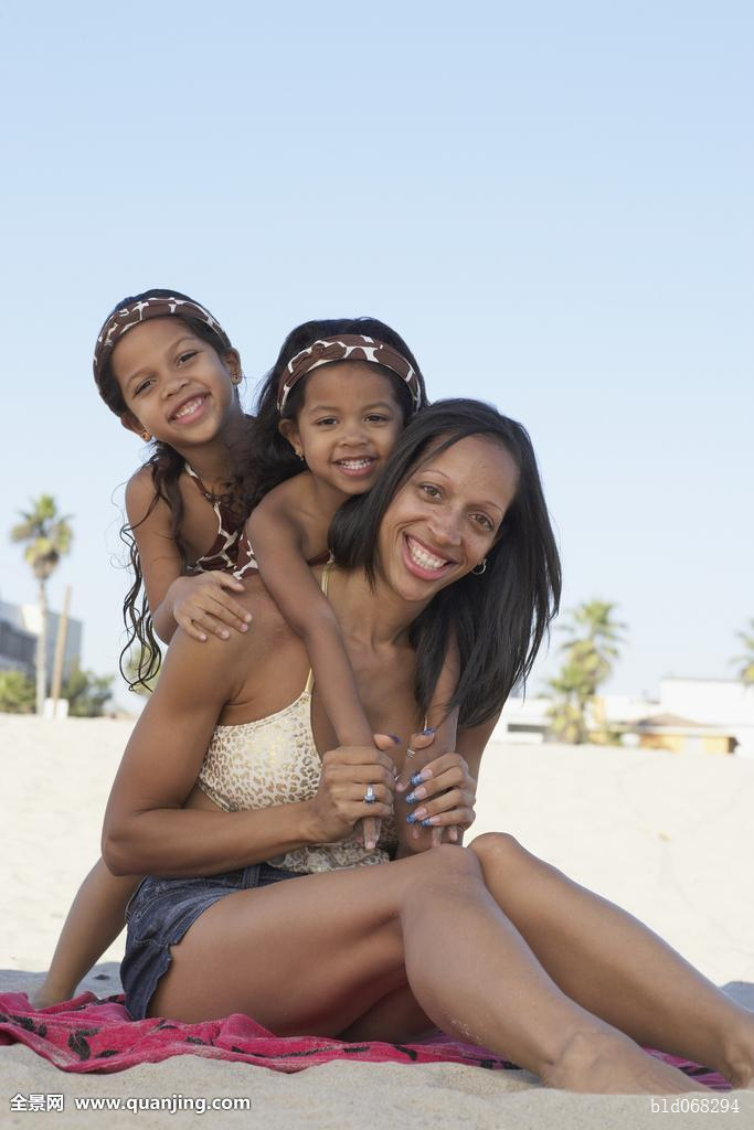 肏姐姐妈妈骚肥屄_黑人肏妈妈图片