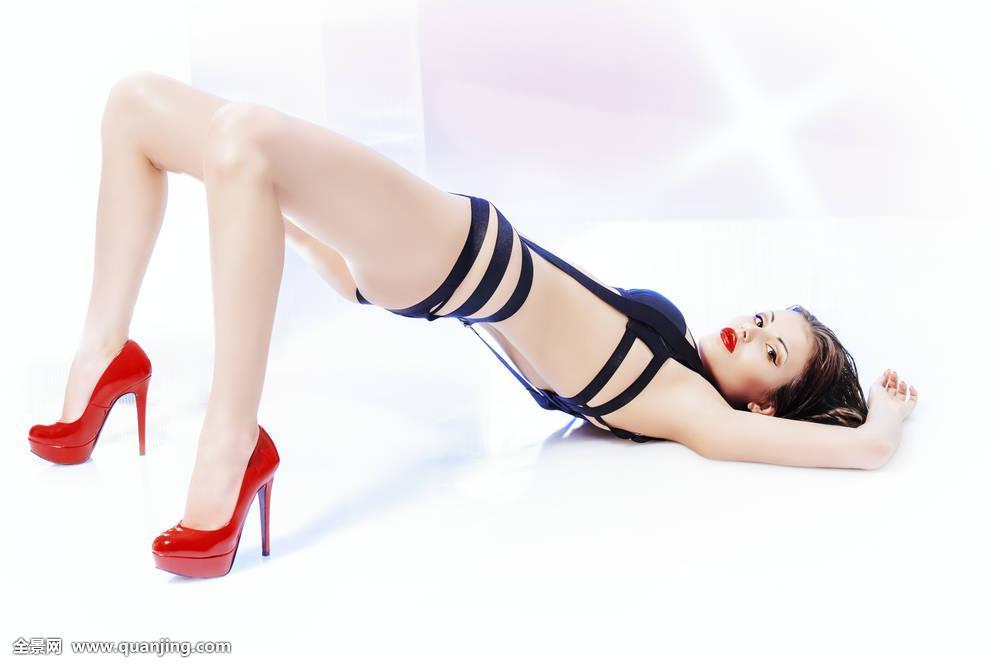 人妖肏屄性爱欧美_人肏屄动作是不是好