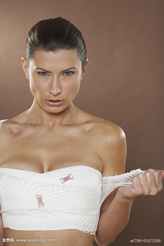 美女隆胸全程_视频手术正面丰胸-实拍手术丰胸视频-假人隆胸手术视频-腋下假