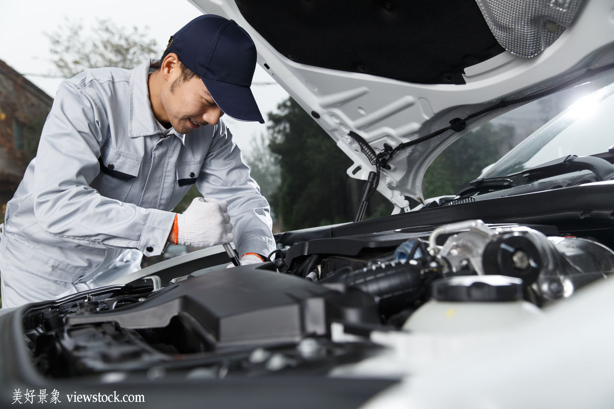 汽车修理工理论试题_汽车修理专业职称是什么如何考取-