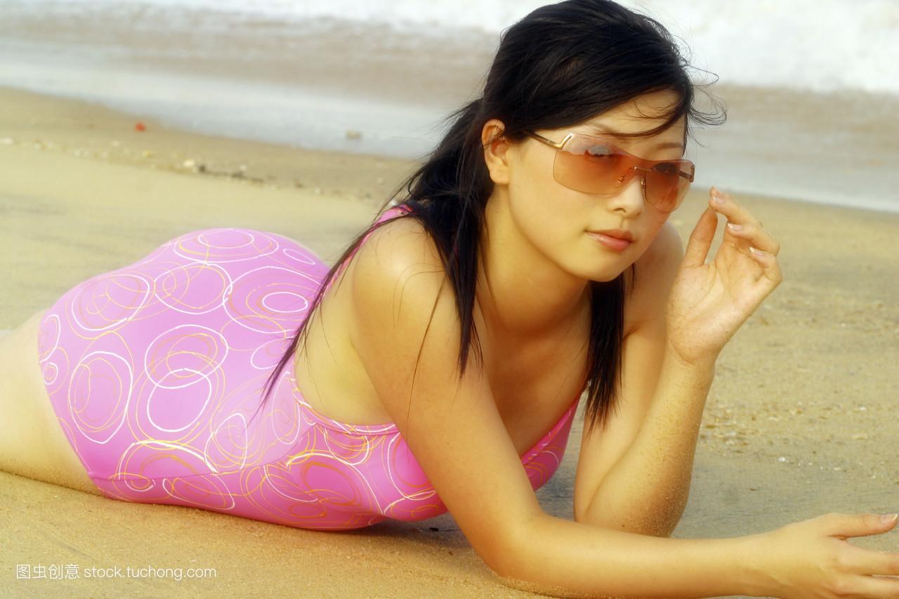 色尼玛乱伦成人_色尼玛图片 亚洲裸模姑娘 : 女人做爱动态图片_格外酷 色尼玛图片