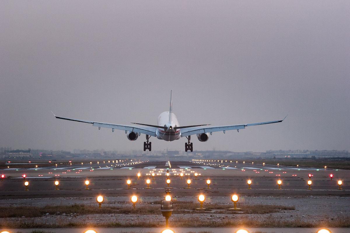 飞机起飞降落视频_起飞的图片-起飞的手势图片,起飞的表情包,准备起飞图片,起飞的 ...