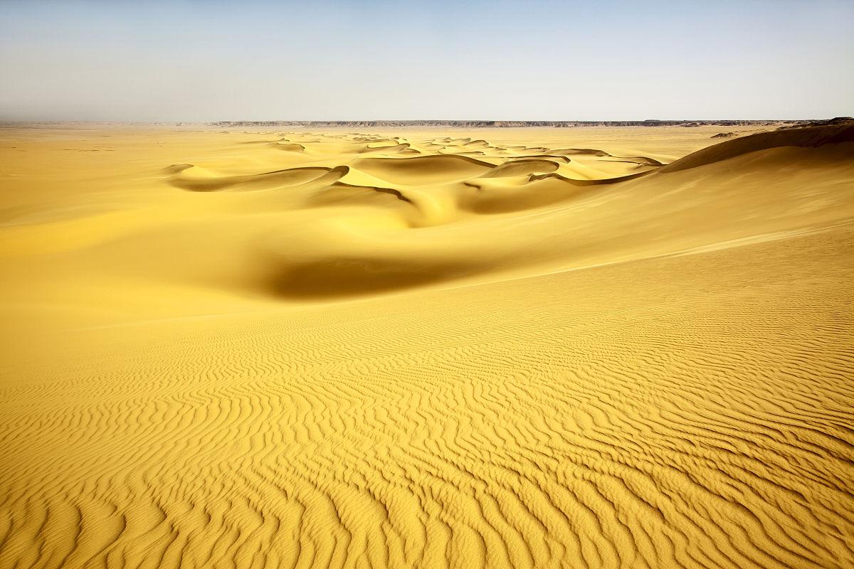 汽车抛锚40人渴死沙漠_撒哈拉沙漠在哪个国家-撒哈拉电影|撒哈拉沙漠的国家|撒哈拉 ...