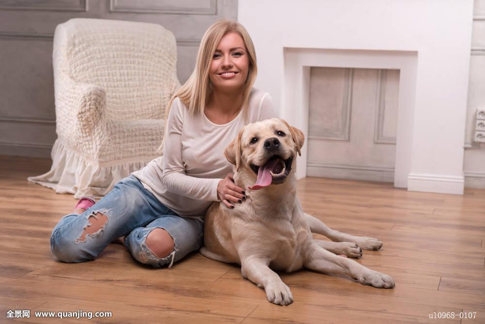 欧洲女人与狗交配_欧洲美女与狗交_买狗美女_狗图片美女_美女和狗头像_7262图片网