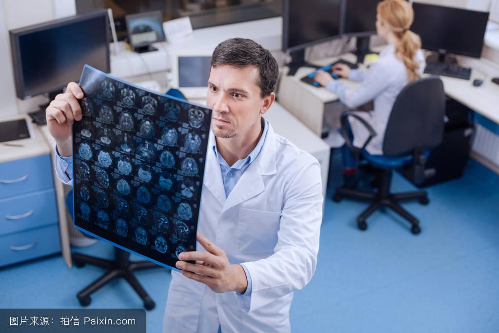 大学计算机实验总结_计算机医学有联系的扫描神经内科技术员电子学发展医生神经