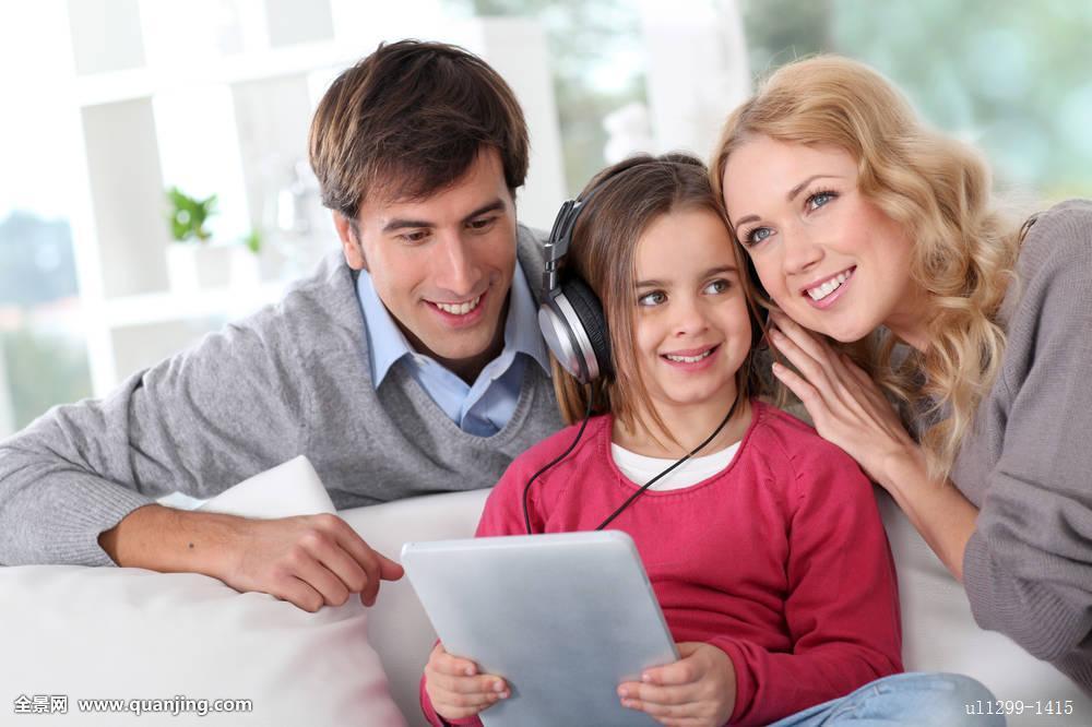 和爸爸乱伦�9��_老爸和女儿乱伦插鸡鸡免费视频 2012年乱伦av查询 cp.