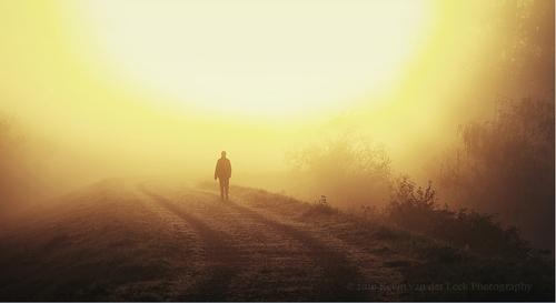 行走在消逝中