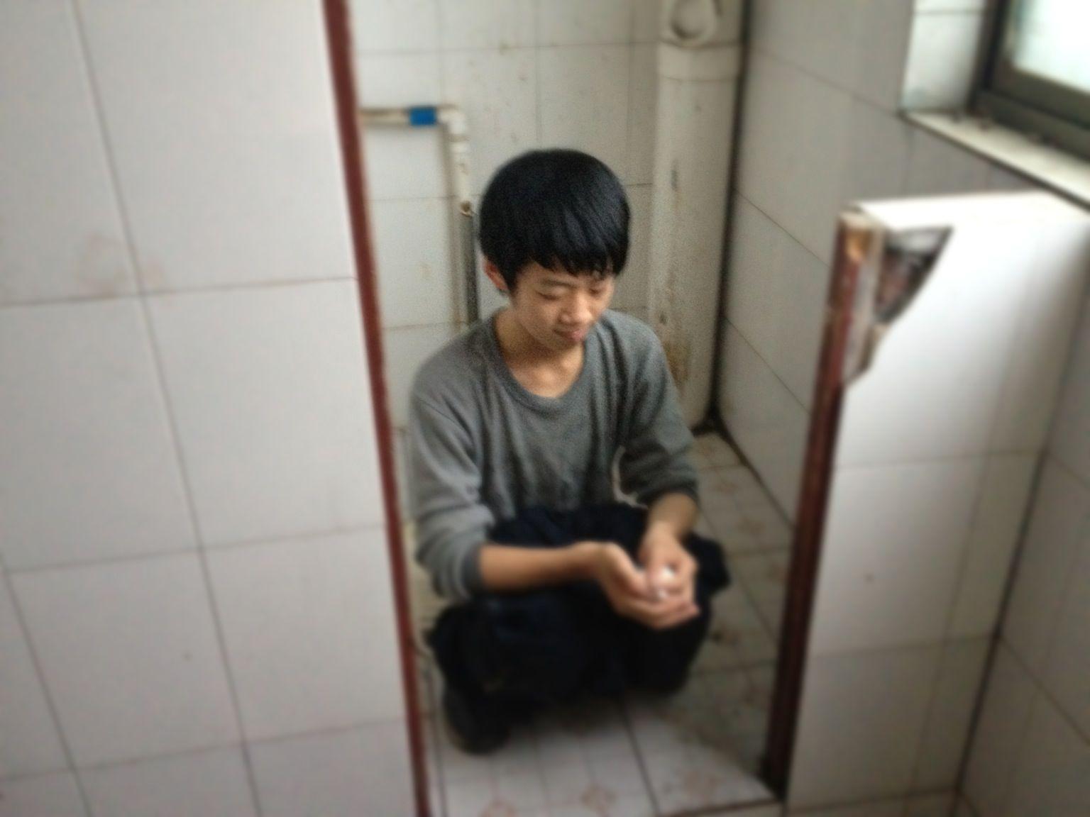 美女上厕所小便全过程_mm上厕所上厕所 mm内裤 图片